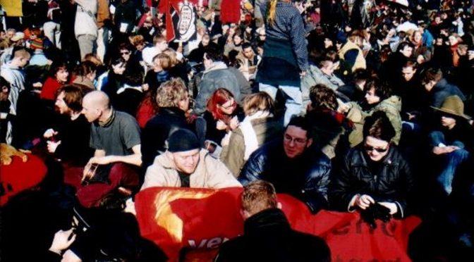 In der zweiten Reihe –Proteste gegen den Irak-Krieg und der Nötigungsparagraf