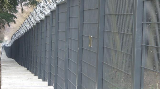 Im Feld der Inneren Sicherheit –Über den Vormarsch der Bundeswehr in der Heimat