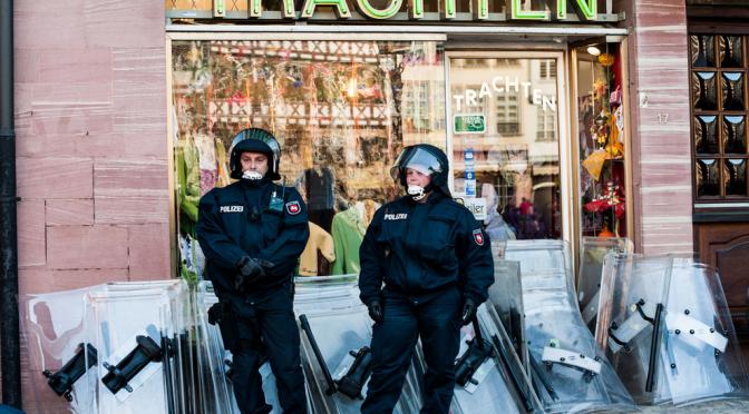 Polizei und Gewalt: Opfer und Täter –Halbe Wahrheiten – falsche Debatte
