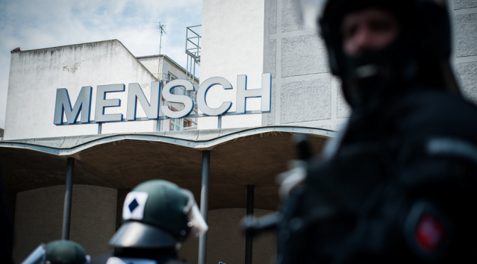 """Viele Daten, wenig Klarheit –""""Gewalt gegen PolizistInnen"""": wenig Licht im Dunkelfeld"""
