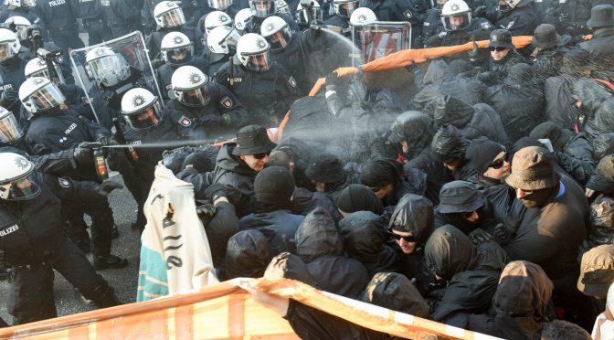 Renaissance der Reizstoffe: Mehr Pfefferspray und Tränengas bei Demonstrationen