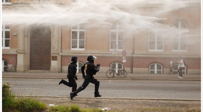 Keine Polizeigewalt?Protest und Polizei beim Hamburger G20-Gipfel