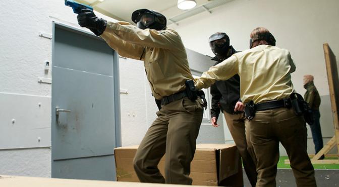 Weniger Schüsse, mehr Tote.Polizeiliche Todesschüsse 2010
