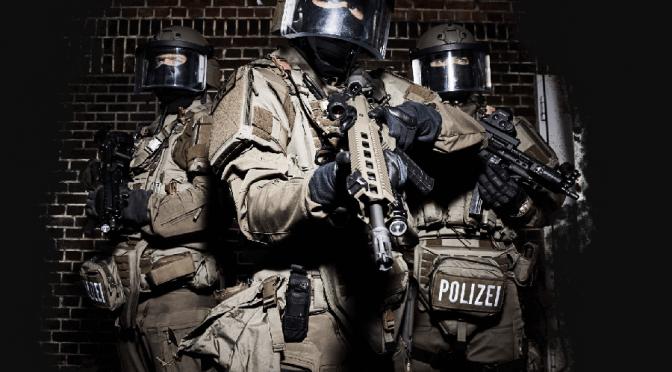 Kein Notstand. Verschiebungen im Verhältnis von Polizei und Militär